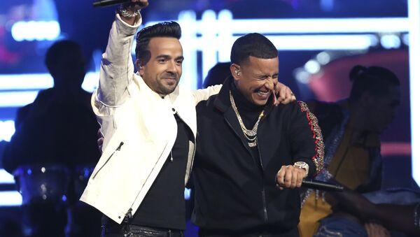 Despacito şarkısıyla bilinen Luis Fonsi ve Daddy Yankee - Sputnik Türkiye