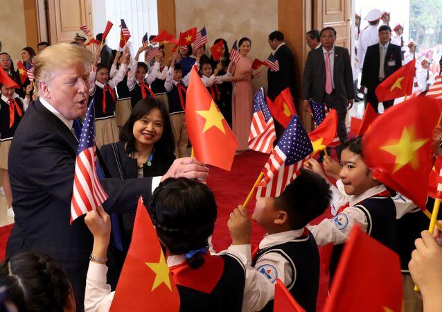 ABD Başkanı Donald Trump, Kuzey Kore Lideri Kim Jong-un ile yapacağı zirve için Vietnam'da