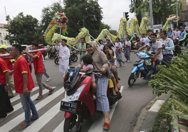 Endonezya'nın başkenti Cakarta'da bir festival