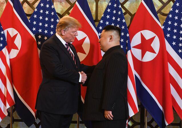 ABD Başkanı Donald Trump ve Kuzey Kore Lideri kim Jong-un Vietnam'da ikinci kez yüz yüze görüştü