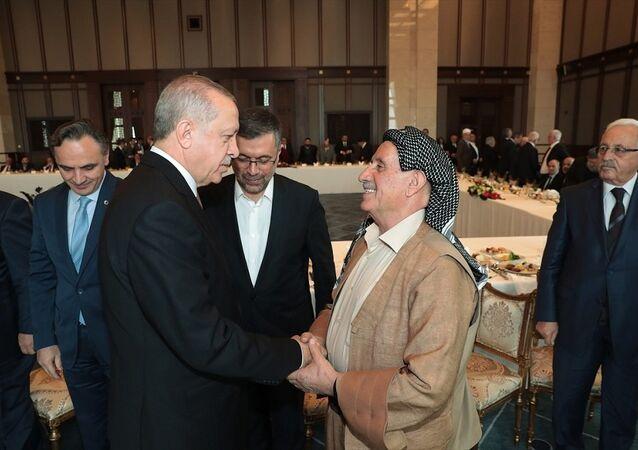 Cumhurbaşkanı Recep Tayyip Erdoğan, Doğu ve Güneydoğu Anadolu Bölgesinden Bazı Kanaat Önderlerini kabul etti.