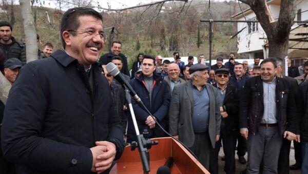 AK Parti İzmir Büyükşehir Belediye Başkan adayı Nihat Zeybekci - Sputnik Türkiye