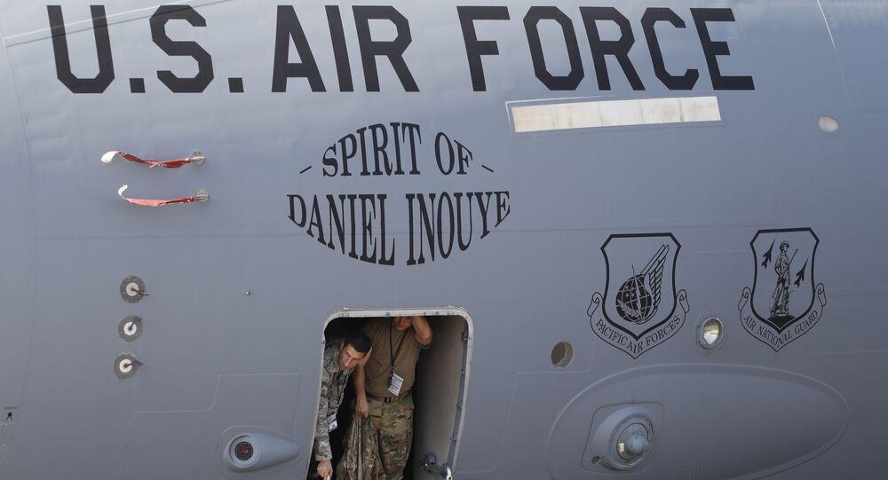 ABD Hava Kuvvetleri'ne ait Boenig tipi bir uçak