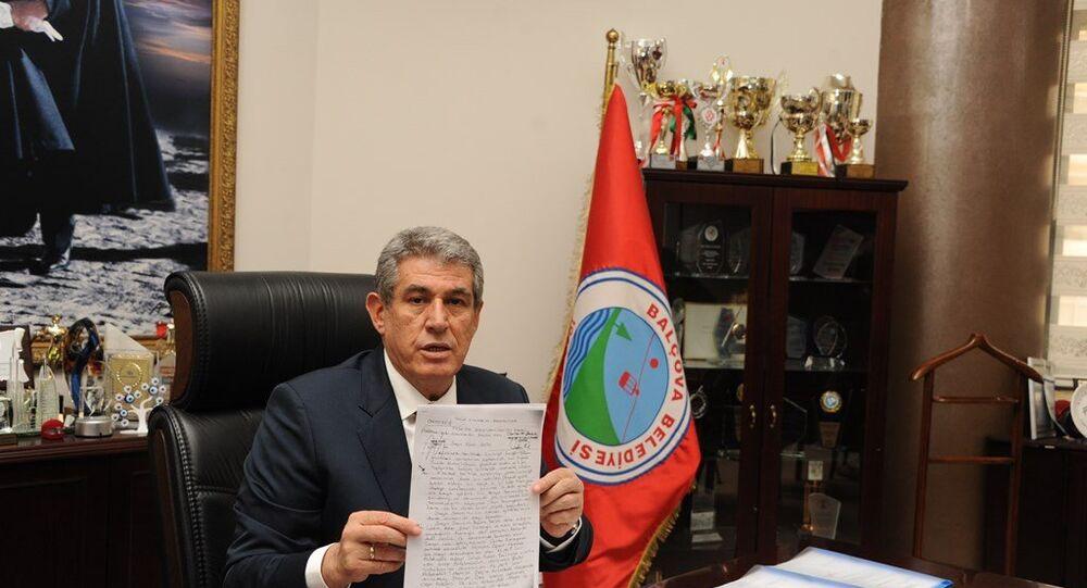 İzmir'de, yerel seçimler için yeniden aday gösterilen ancak YSK tarafından adaylığı düşürülen Balçova Belediye Başkanı Mehmet Ali Çalkaya