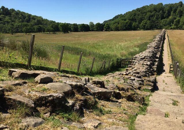 İngiltere'de bulunan Hadrian Duvarı