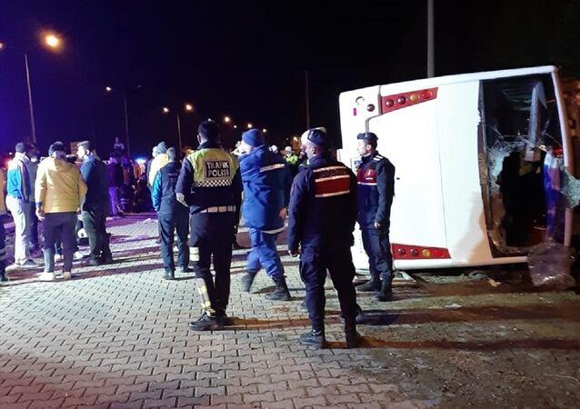Antalyaspor deplasmanından dönen Ankaragücü taraftarı kaza yaptı