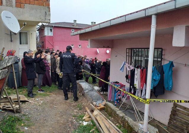 İstanbul Sancaktepe'de iki çocuk sobadan sızan gazdan zehirlenerek yaşamını yitirdi
