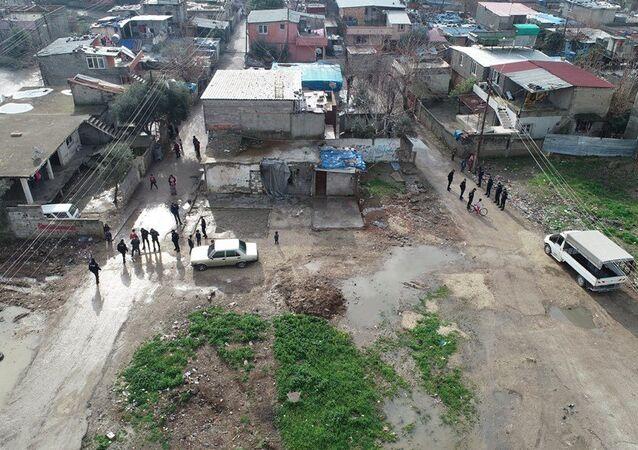 Adana'nın Merkez Yüreğir ilçesinin Ulubatlı Hasan Mahallesi'nin iki sokağında yaşayan ve 'Cono aşireti'