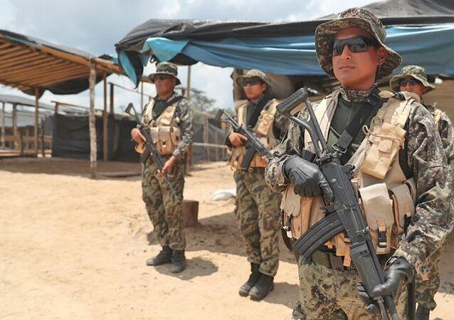 Peru - askerler