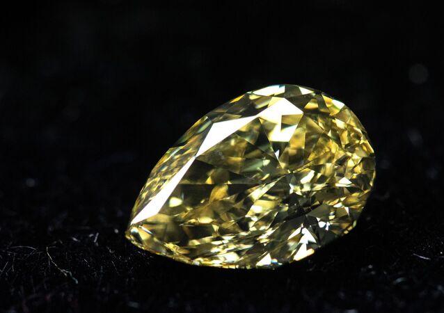 Turistler bu turlarla Yakutistan Cumhuriyeti'nin hazinelerini yakından tanırken, bölgede çıkarılmış inanılmaz büyüklükteki elmasları da görüyorlar.