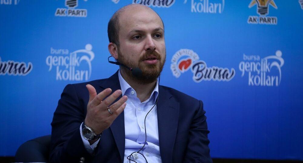 Bilal Erdoğan, AK Parti Bursa Gençlik Kolları tarafından düzenlenen Gençlik Buluşmasında yaptığı konuşmada, iddialı gençler için ileriye dönük plan yapabilmenin önem taşıdığını belirtti.