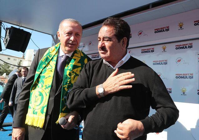 Cumhurbaşkanı Erdoğan'ın Şanlıurfa'da düzenlediği mitinge Şanlıurfalı sanatçı İbrahim Tatlıses de katıldı.