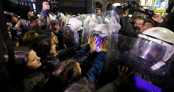 Ajansların objektifinden 8 Mart Feminist Gece Yürüyüşü