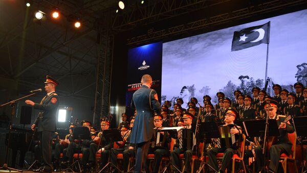 Alexandrov Kızılordu Korosu bu yıl Türkiye'deki ilk konserini gerçekleştirdi - Sputnik Türkiye