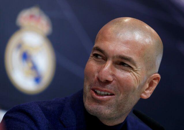 Zinedine Zidane Real Madrid'e geri döndü
