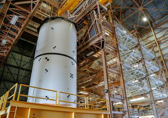 Bu arada Trump, American Havacılık ve Uzay Dairesi'nin (NASA) gelecek 10 yıl içinde Ay'a gitme planları da dahil olmak üzere uzay keşif görevleri için 21 milyar dolar talep etti.