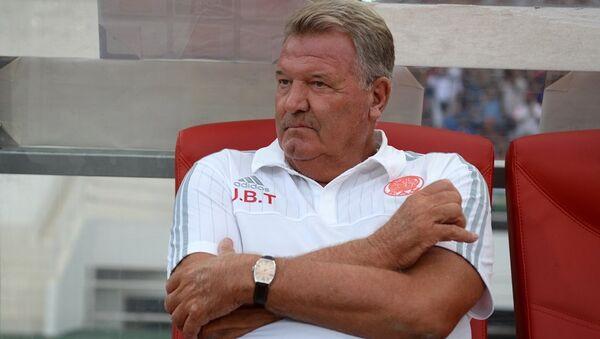 Beşiktaş'ın eski teknik direktörü John Benjamin Toshack, - Sputnik Türkiye