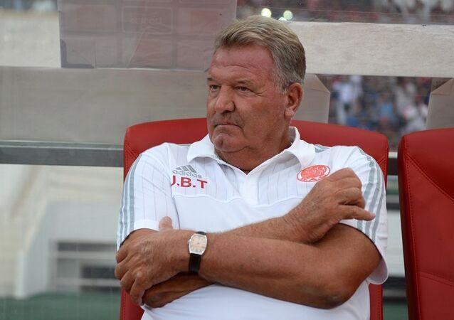 Beşiktaş'ın eski teknik direktörü John Benjamin Toshack,