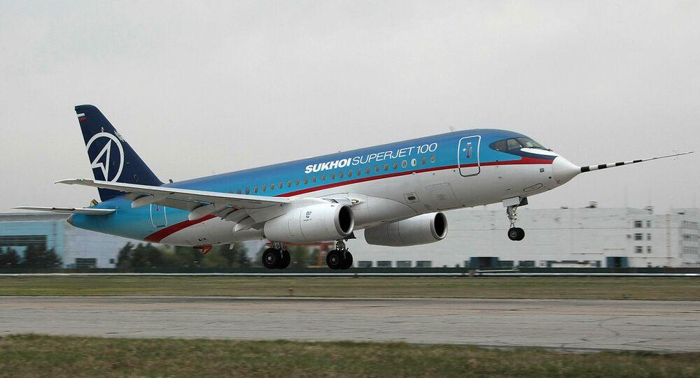 Yunanistan'a uçan SSJ100, ön camının çatlaması nedeniyle Moskova'ya geri döndü
