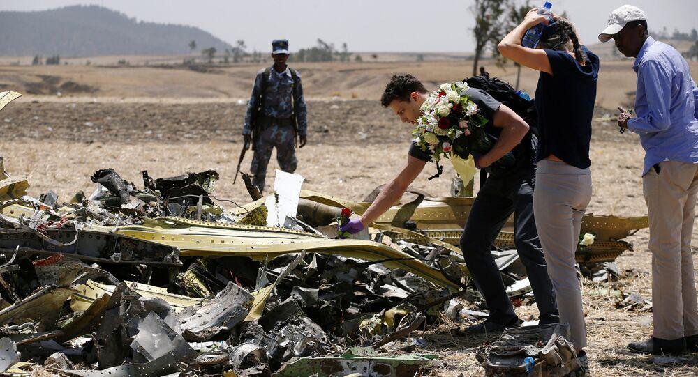 157 yolcuya mezar olan Etiyopya Havayolları'na ait yolcu uçağının enkazı
