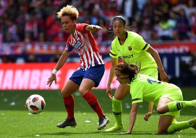 İspanya Kadınlar Futbol Ligi'nde Atletico Madrid ile Barcelona arasında oynanan maç