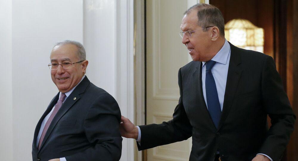 Rusya Dışişleri Bakanı Sergey Lavrov ile Cezayir Dışişleri Bakanı Ramtane Lamamra