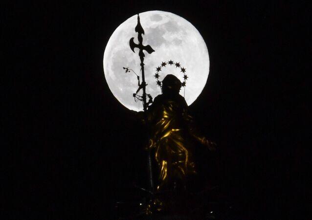 İtalya'da Süper Ay
