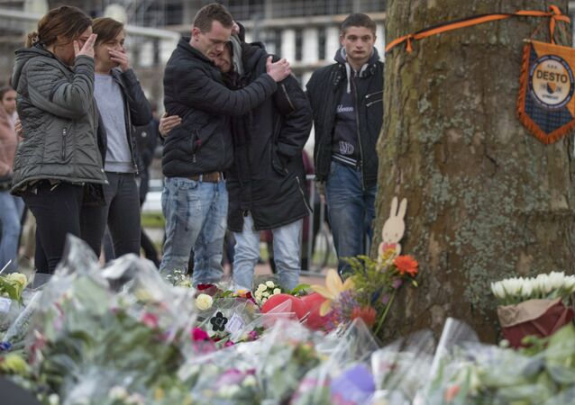 Hollanda'nın Utrecht kentindeki tramvay saldırısının ardından anma noktaları oluşturuldu