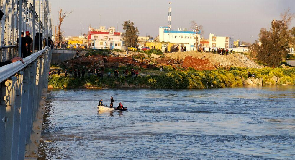 Irak'n Musul kentinde bir feribot battı
