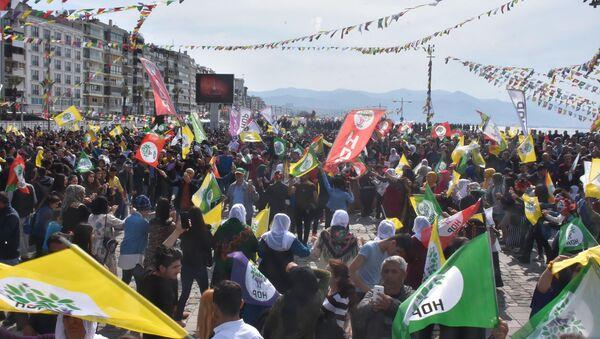 HDP'nin İzmir Nevruz etkinliği - Sputnik Türkiye