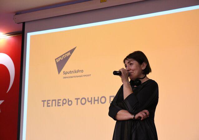 Rossiya Segodnya (Rusya Bugün) Uluslararası Haber Ajansı Genel Yayın Yönetmen Yardımcısı Natalya Loseva