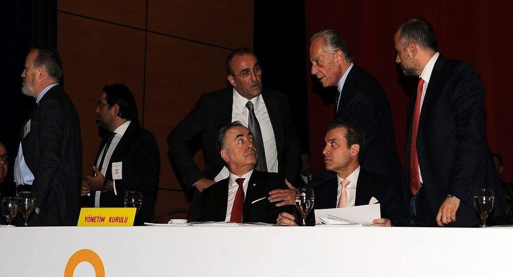 Galatasaray'ın Lütfi Kırdar Kongre Merkezi Anadolu Auditorium Toplantı Salonu'nda yapılan olağan genel kurulu