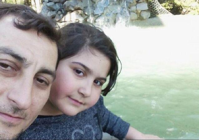 Rabia Naz ile babası Şaban Vatan