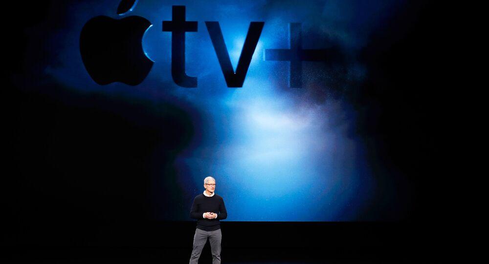 Apple, dizi ve film izleme uygulaması Apple TV Plus'taki yenilikleri ünlü isimlerin katıldığı bir etkinlikle duyurdu. Bunun yanında Apple News Plus isimli haber servisini, Apple Arcade isimli oyun uygulamasını ve Apple Card isimli kredi kartını da tanıttı. Piyasaların ilk tepkisi ise olumsuz oldu.