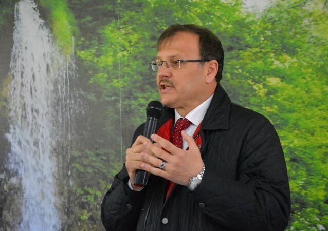 Türkiye Büyük Millet Meclisi (TBMM) İnsan Haklarını İnceleme Komisyonu Başkanı Hakan Çavuşoğlu
