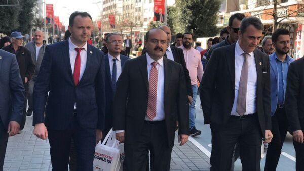 Beşiktaş Başkanı Fikret Orman, kimi temaslarda bulunmak üzere geldiği Bolu'da, Cumhur İttifakı'nın Bolu Belediye Başkan Adayı Fatih Metin ile bir araya geldi. - Sputnik Türkiye