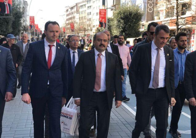 Beşiktaş Başkanı Fikret Orman, kimi temaslarda bulunmak üzere geldiği Bolu'da, Cumhur İttifakı'nın Bolu Belediye Başkan Adayı Fatih Metin ile bir araya geldi.