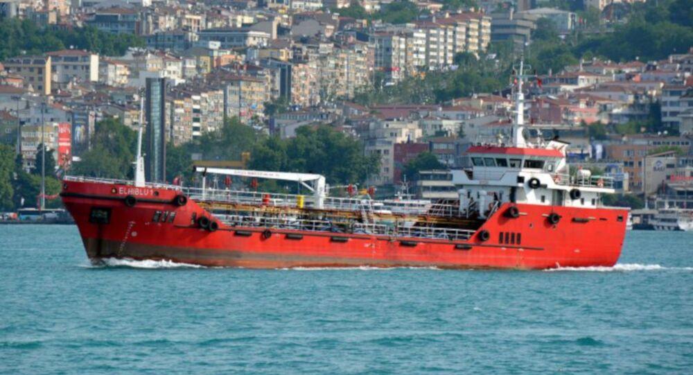 İtalyan haber ajansı ANSA'nın haberine göre; Türkiye'den yola çıkan tanker, Libya açıklarında kurtardığı göçmenler tarafından kaçırıldı. Göçmenlerin kaçırdıkları El Hiblu 1 adlı gemiyi, Malta'ya götürmek istedikleri iddia edildi.