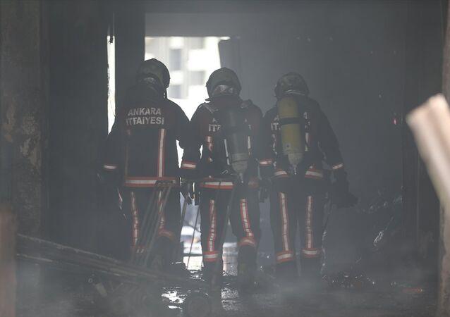 Ankara, İskitler Ata Sanayi Sitesi'nde, metruk bina, yangın