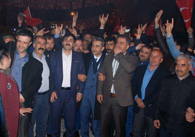 MHP Besni adayı, AK Parti lehine adaylıktan çekildi