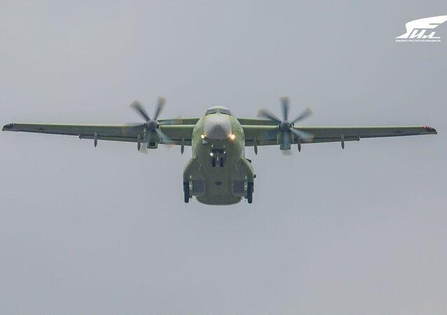 İl-112V askeri nakliye uçağını