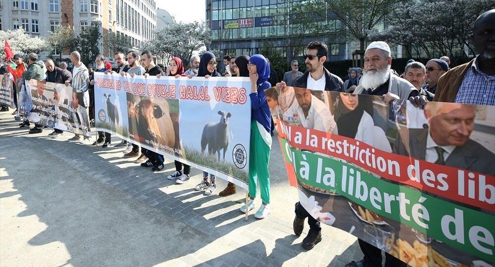Brüksel'de helal kesim yasağı protestosu
