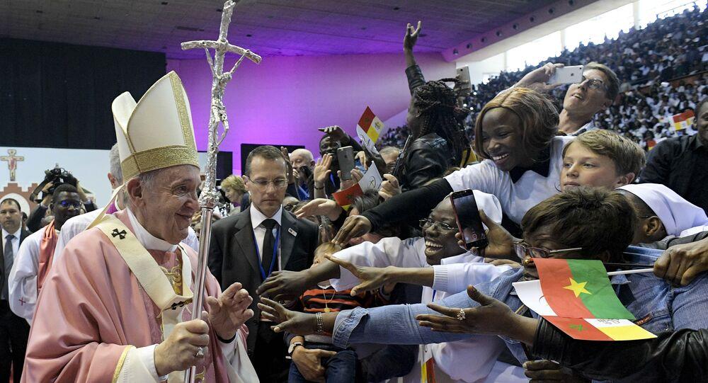 Fas'ı ziyaret eden Papa Franciscus, başkentte Rabat Katedrali'nde ayin yönetti.