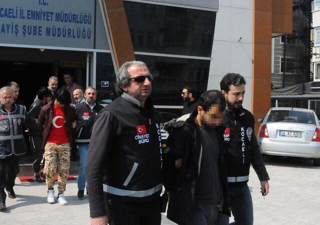 Bıçaklı Afgan gaspçılar yakalandı