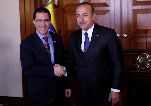 Haber ajanslarının deyimiyle 'anti-Amerikan Ortadoğu turuna' çıkan Venezüella Dışişleri Bakanı Jorge Arreaza, 1 Nisan'da Ankara'da Türk mevkidaşı Mevlüt Çavuşoğlu ile biraraya geldi.