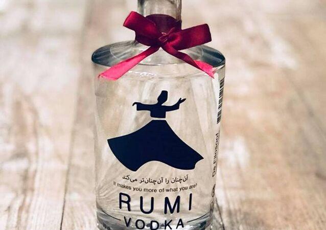 Hollanda'nın Lahey kentinde Mevlânâ Celâleddin Rûmî'ye atfen Rumi marka votka