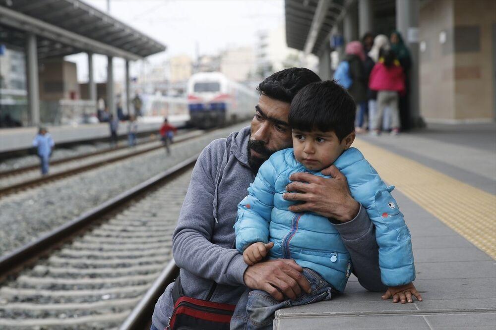 Yunanistan'da göçmenler Atina garında eylem yaptı