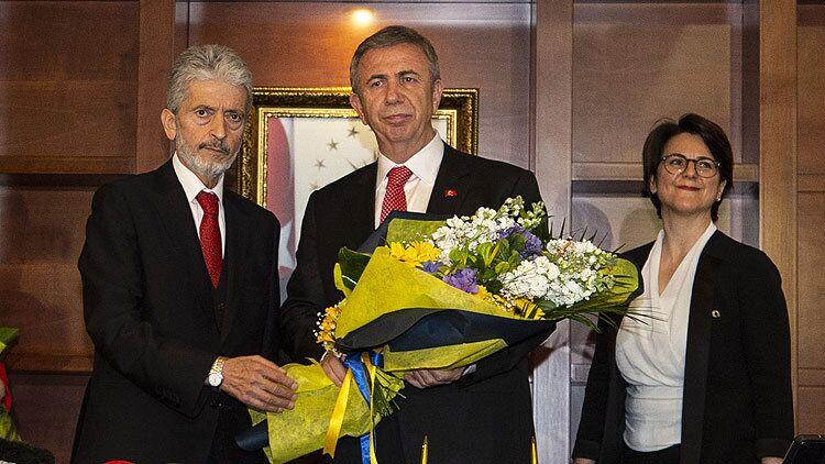 Yavaş, Mustafa Tuna'yı uğurladıktan sonra yaptığı açıklamada, ekip olarak Ankara için gece gündüz demeden çalışacaklarını söyledi.