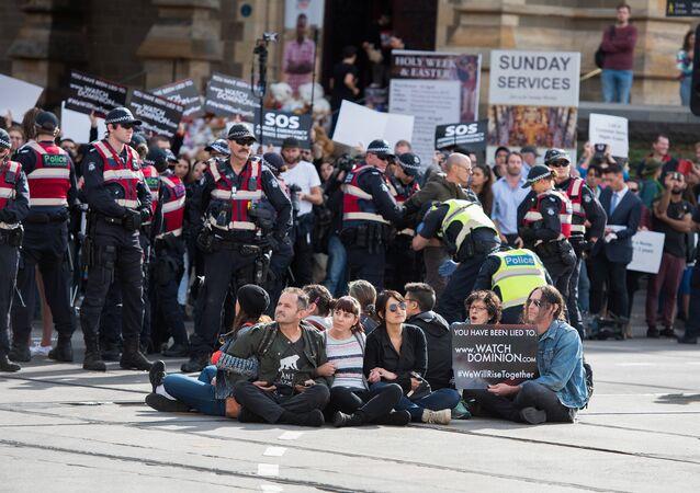 Avustralya'da veganlar ve hayvanseverler ülke çapında eylem yaptı.