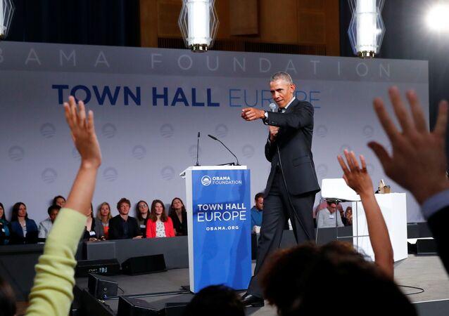 Eski ABD Başkanı Barack Obama, Obama Vakfı'nın Berlin'de düzenlediği Avrupa'dan genç liderlerle buluşma toplantısında hem konuşma yaptı hem de soru - cevap üzerinden sohbet etti.